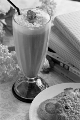 Raw Chocolate Milk Shake