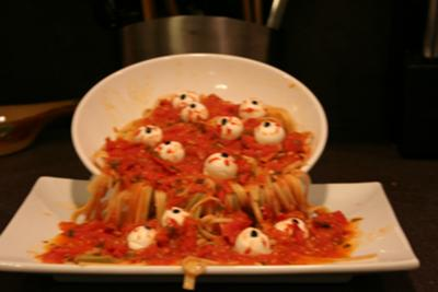 SCARY PASTA WITH  EYEBALLS (perfect for Halloween!)
