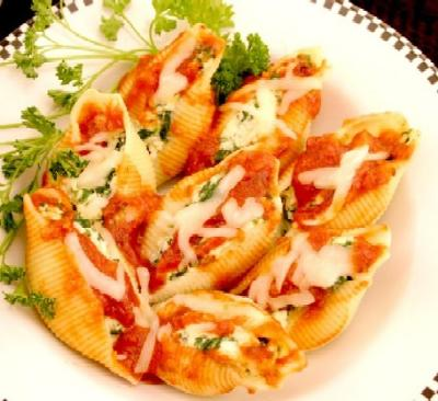 These pasta shells look messy but are very delicious!