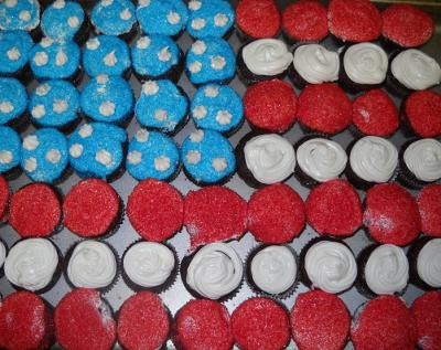American flag cup cakes
